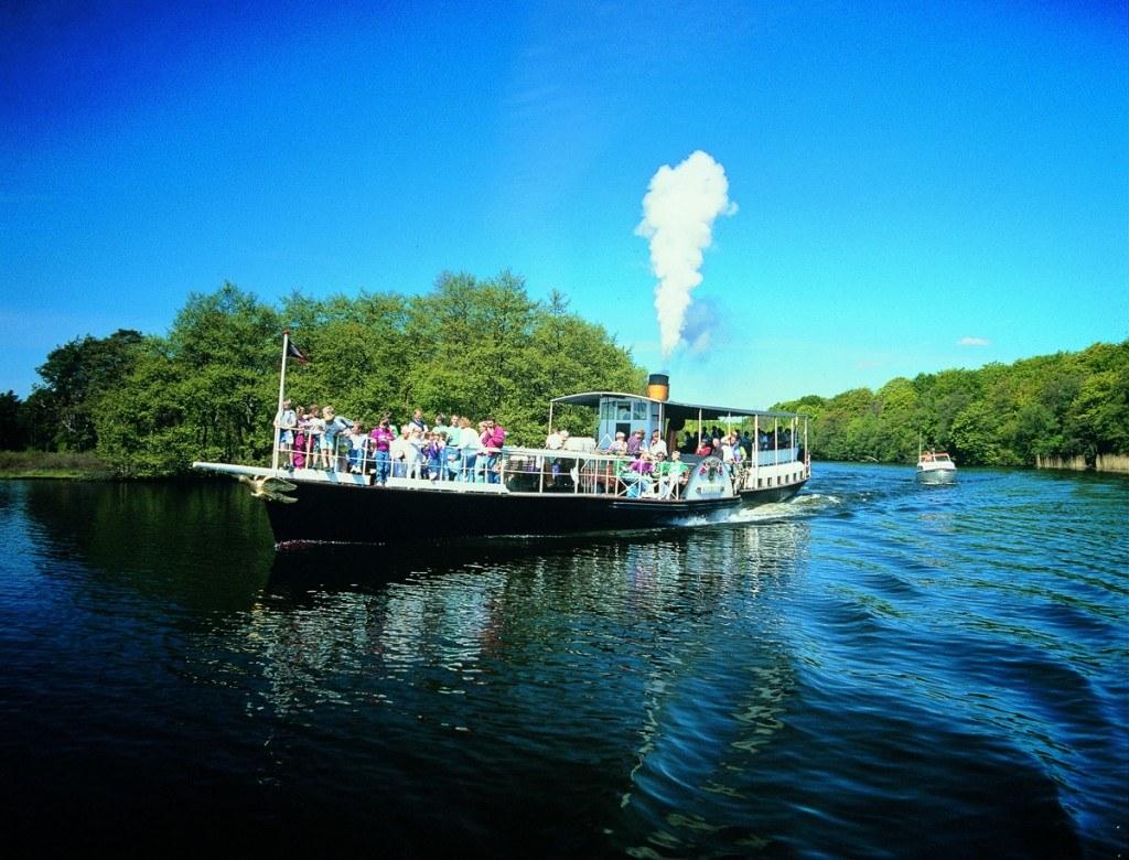 Paddle Steamer Hjejlen on Silkeborg Lakes_Press 300dpi_3-2