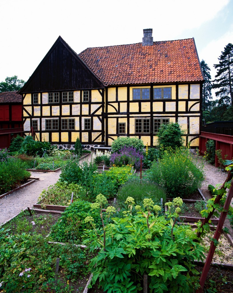 The_Old_Town_in_Aarhus,_the_Chemistry_Garden