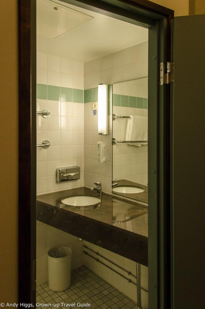 Radisson Blu Seaside Helsinki - Bathroom