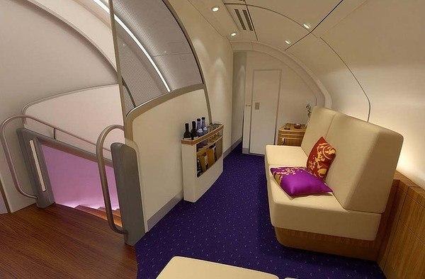 port-Thai-Airways-A380-First-Class-Bar-600x400