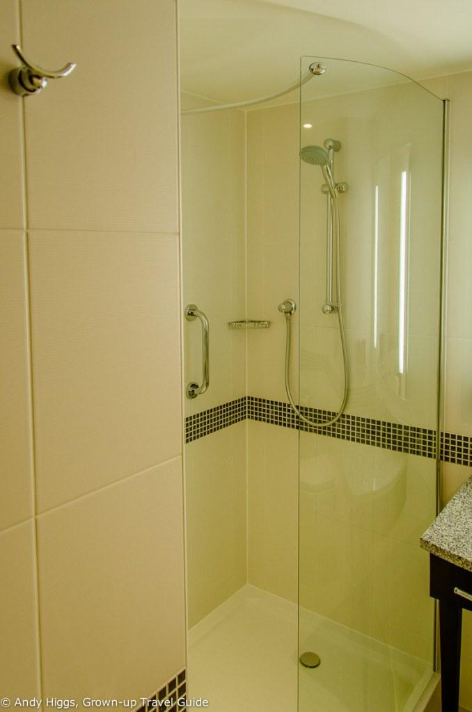 Bathroom showeer