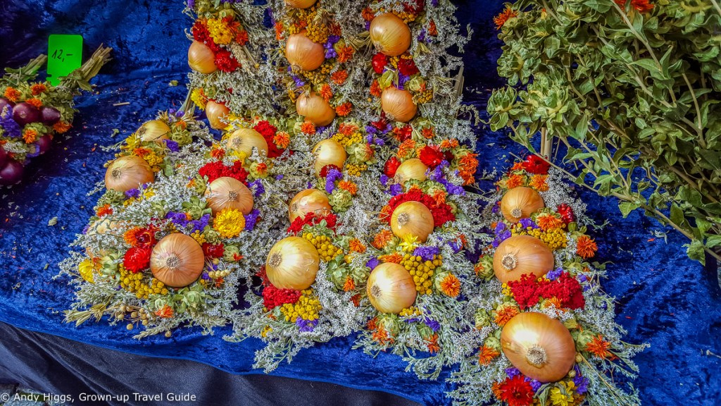 Colourful onions