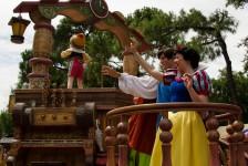 Disney daytime parade