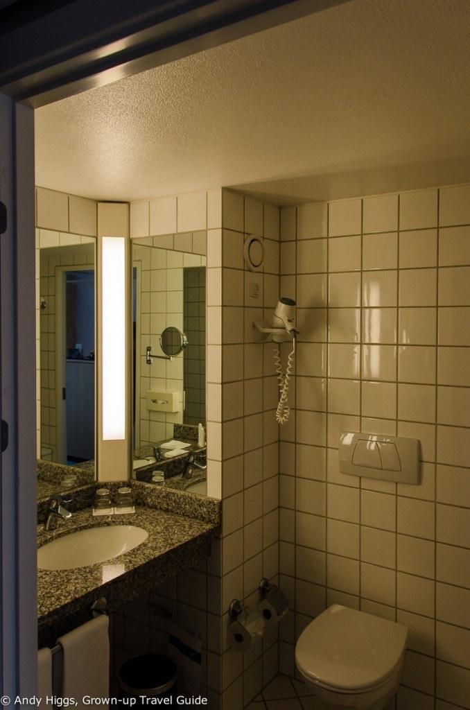Radisson Aarhus bathroom1