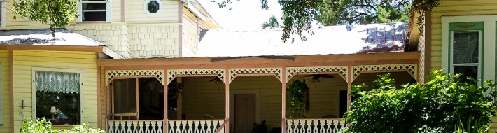 Cedar Key B&B house from garden