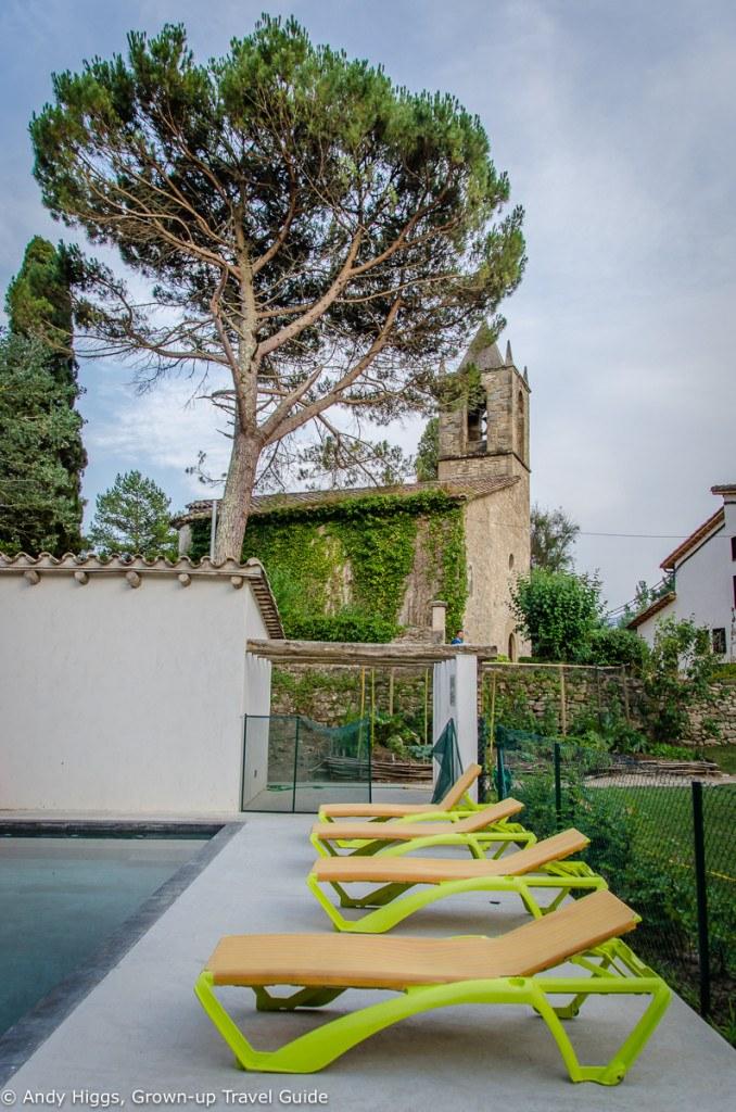 La Rectoria church from pool