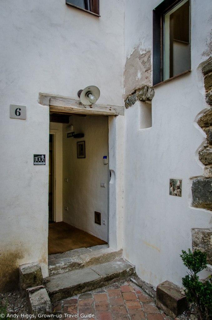 La Rectoria entrance