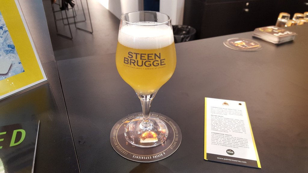 Grown-up Travel Guide Beer Diary - Day 306: Steenbrugge Blond from Brouwerij Palm of Steenhuffel, Belgium